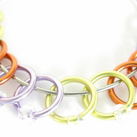Small Snag free knitting stitch marker | Markers with beads | Beaded stitchmarker | dangle-free | orange, yellow, purple | #0491