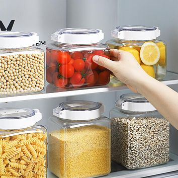 Environmentally Friendly And Hygienic Sealed Transparent Pressing Type Multigrain Cans For Bottling Kitchen Storage Boxes Plastic Fresh-Keeping Storage Tanks