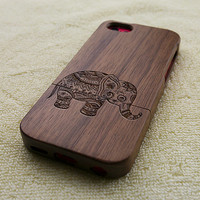 Wood iPhone 5C case, wooden iPhone 5C case, elephant iPhone 5C case, floral elephant iPhone 5C case, wooden iPhone case, W3008