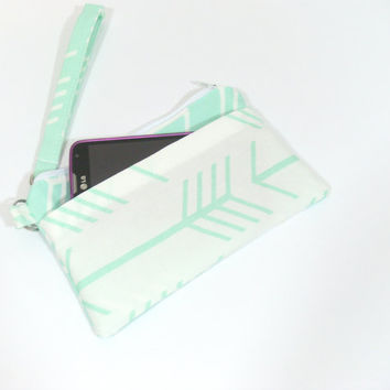 White and Mint Arrow Phone Clutch, Clutch with Wristlet, Mint Arrows Bag, Arrow Wristlet, Wristlet for Phone, Cell Phone Holder, Clutch
