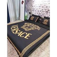 VERSACE Luxury Designer Home Blanket Quilt coverlet 2 Pillows Shams 4 PC Bedding Set