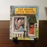 "Vintage 1976 version of Brother Grimm's ""The Brave Little Tailor"" - A little Golden Book / Retro Fairy Tale / Golden Press Library"