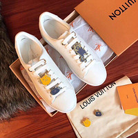 Louis Vuitton LV Classic little white shoes, cats and cats with straps, leather shoes and casual shoes