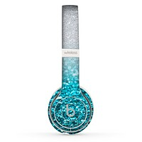The Turquoise & Silver Glimmer Fade Skin Set for the Beats by Dre Solo 2 Wireless Headphones