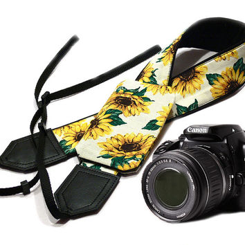 Sunflowers Camera strap with pocket.  Flowers camera strap.  DSLR Camera Strap. Camera accessories. Canon camera strap. Nikon camera strap.