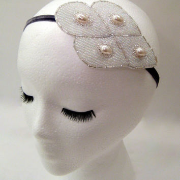 Bridal fascinator pearl, one of a kind silver wedding headband, prom hair accessory, white petals headband, art deco wedding pearl headpiece