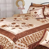 DaDa Bedding Meadow of Flower  King Size Quilt Set