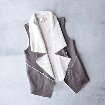 Sherpa Vest in Brown