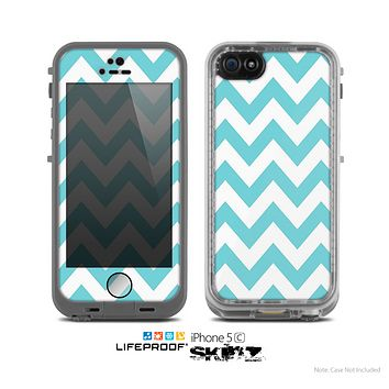 The Subtle Blue & White Chevron Pattern Skin for the Apple iPhone 5c LifeProof Case