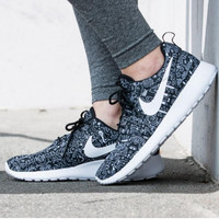 NIKE Women Running Sport Casual Shoes Sneakers orchid Grey print