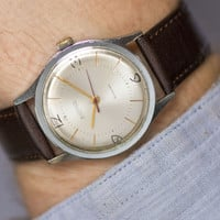 Minimalist men's watch silver shade East classic watch gents accessory stylish simplicity premium leather strap new