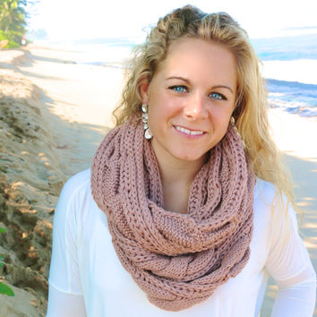 Chunky Knit Infinity Scarf in Mauve