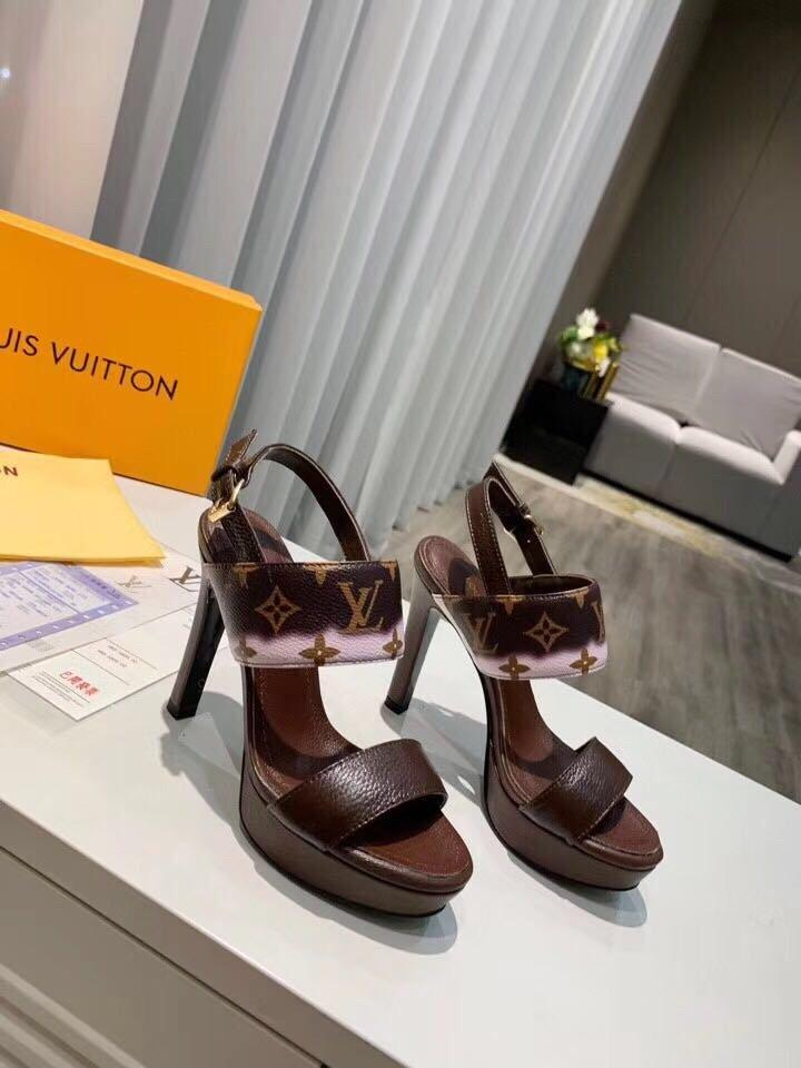 Image of lv louis vuitton women casual shoes boots fashionable casual leather women heels sandal shoes 49