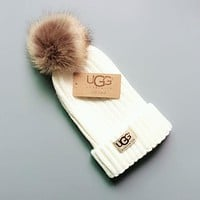 UGG Winter Popular Women Men Warm Knit And Pom Hat Cap White