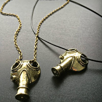 3d Gas Mask Necklace- Doctor Who Jewelry Apocalypse Mask Steampunk jewellery Gothic Fandom Geeky Pendant The Empty Child