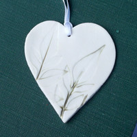 Porcelain Heart Hanging Decoration Pressed with Garden Leaves