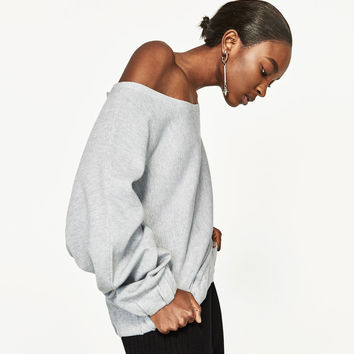 SWEATER WITH LOOSE-FIT SLEEVES