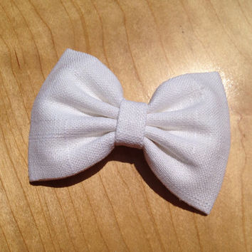Beautiful, handmade white linen hair bow.  Perfect gift for any girl.