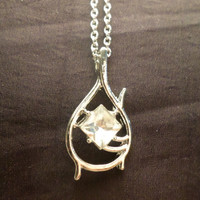 Metal Replica The Hobbit Tauriel Elven Pendant With 19 Inch Chain Necklace Lord of the Rings Jewelry LOTR Free Tracked and Insured Shipping!