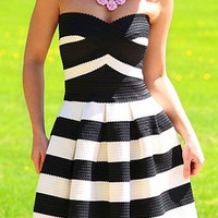 Black and White Stripe Strapless Flare Mini Dress