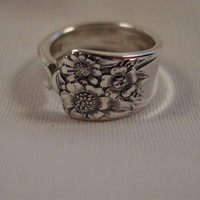 An April Pattern Spoon Ring size 8 Antique Spoon Handle Rings t458