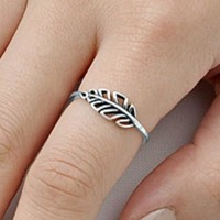 .925 Sterling Silver Celtic Leaf Leaves Ladies Ring Size 4-10