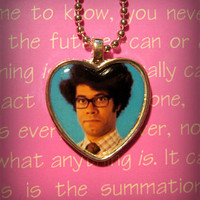 Maurice Moss Richard Ayoade The IT Crowd Necklace Pendant