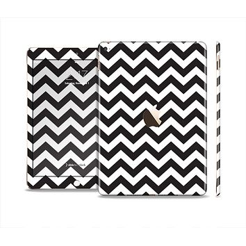 The Black and White Zigzag Chevron Pattern Skin Set for the Apple iPad Air 2