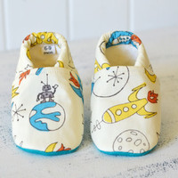 "Organic ""Spaceship & Alien"" Shoes - NB to 4T"