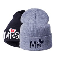 Fashion Winter Hats For Women Men Soft Wool Knitted Warm Cap Beanies Bonnet Letter Print gorros casquette Couples Stocking Hat