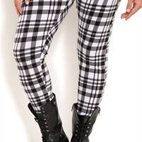 Plus Size Leggings with Plaid Print