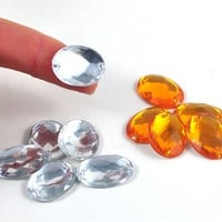 Faceted Oval Flat Back Acrylic Loose Sew on Beads for Crafts Clothing Jewelry Available in Gold or Silver  2.4 cm x 1.5 cm - quantity 20.