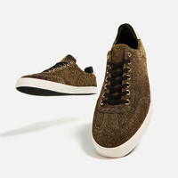 SNEAKERS WITH METALLIC DETAIL DETAILS