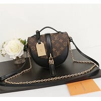 LV Louis Vuitton MONOGRAM CANVAS CHANTILLY LOCK INCLINED SHOULDER BAG