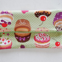 Large Makeup Pouch in Cupcakes & Green Polka Dot - Pochette - Clutch - Cosmetics Pouch - Women's Gift - Lingerie Bag - Mother's Day Gift