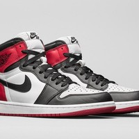 Nike AIR JORDAN 1 RETRO 'BLACK TOE'