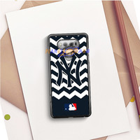 NEW YORK YANKEES BLUE CHEVRON PATTERN LG V20 Case Planetscase.com