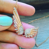 Double Angel Wing Necklace in gold