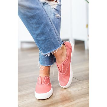 Sperry Crest Knot Sneaker - Washed Red