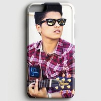 Bruno Mars Playing Guitar iPhone 7 Case   casescraft