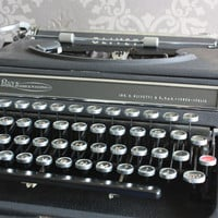Gorgeous Black Olivetti Studio 42 - Working vintage typewriter