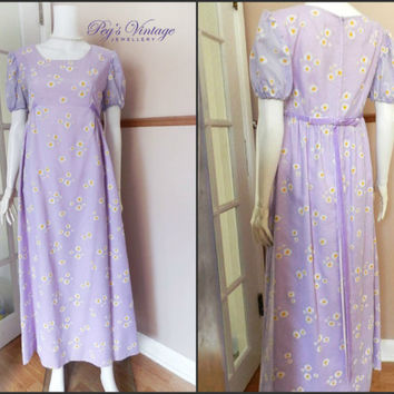 """1960s White & Yellow Daisies on Lavender/Purple Gown, Size S/M 34"""" Bust, Short Sleeve Maxi Bridal Dress"""