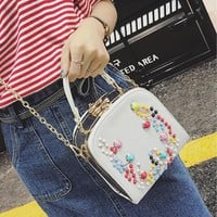 Korean Style Women Fashion Leather Handbag Rivet Chains Shoulder Crossbody Bags for Girls Messenger Bag Bolsa Feminina