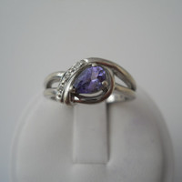 Sterling Silver 925 Amethyst Crystal Ring Size 8 Pear Cut JS 925
