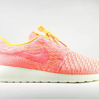 Nike Women's Roshe Run One Flyknit Laser Orange Bright Mango
