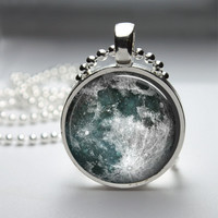 Round Glass Bezel Pendant Moon Pendant Moon Necklace With Silver Ball Chain (A3634)