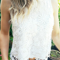DAYDREAMS AND DAISIES CROTCHET TANK IN WHITE