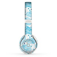 The Blue & White Seamless Ball Illustration Skin Set for the Beats by Dre Solo 2 Wireless Headphones