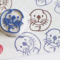 sea otter stamp. otter hand carved rubber stamp. baby otter. diy birthday/baby shower