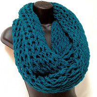 Infinity Crochet Scarf. Teal Unisex Infinity Scarf. College Trends Scarf